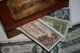 Шкатулка,_деньги