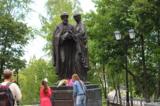 памятник,_святые