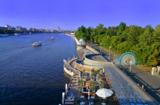 Река,_Москва,_пар