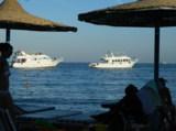 море,_пляж,_катер