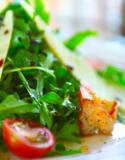 tomatoes_greens_salad_food_lea