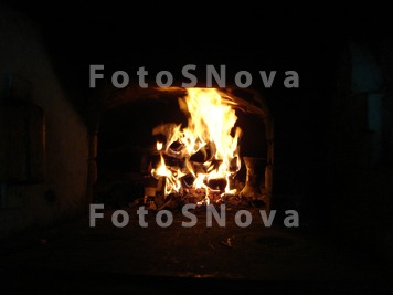 огонь,_горит,_печ